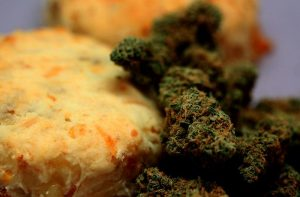 Herbatniczki z marihuaną, HolenderskiSkun, Holenderski Skun